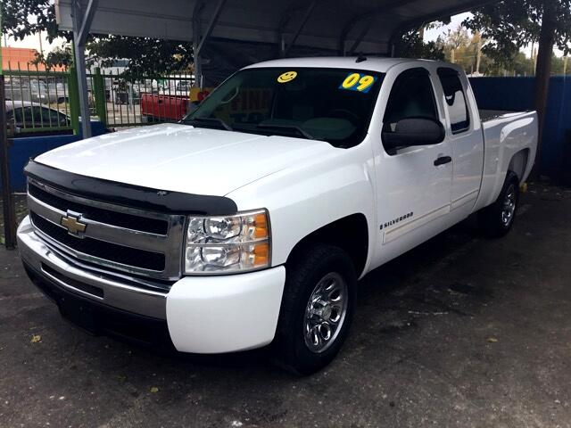 2009 Chevrolet Silverado 1500 LS Ext. Cab Short Box 2WD