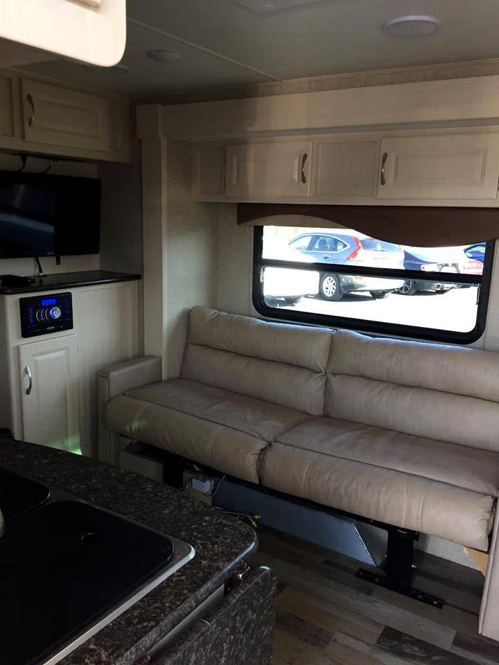 2016 Winnebago Micro Minnie