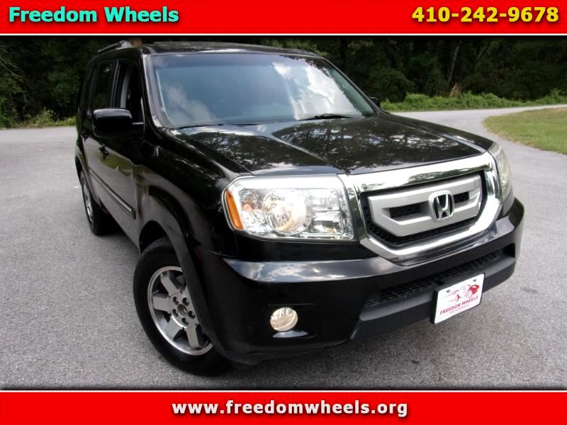 Honda Pilot Touring 4WD 5-Spd AT with DVD 2010