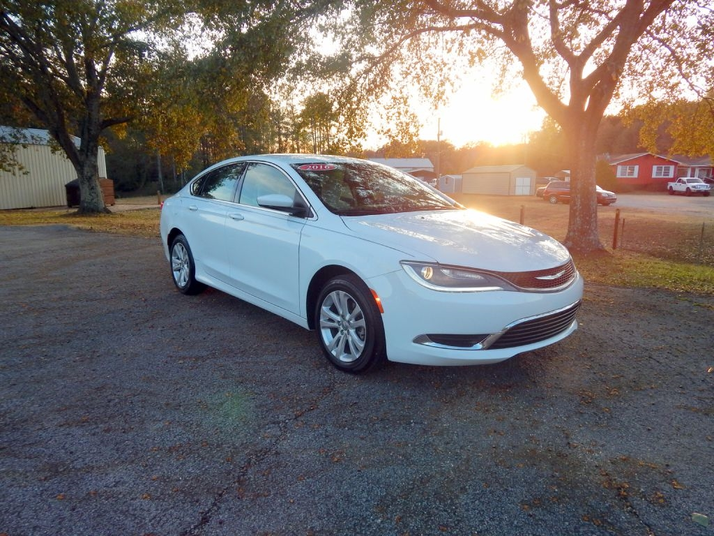 2016 Chrysler 200 4dr Sdn Limited FWD