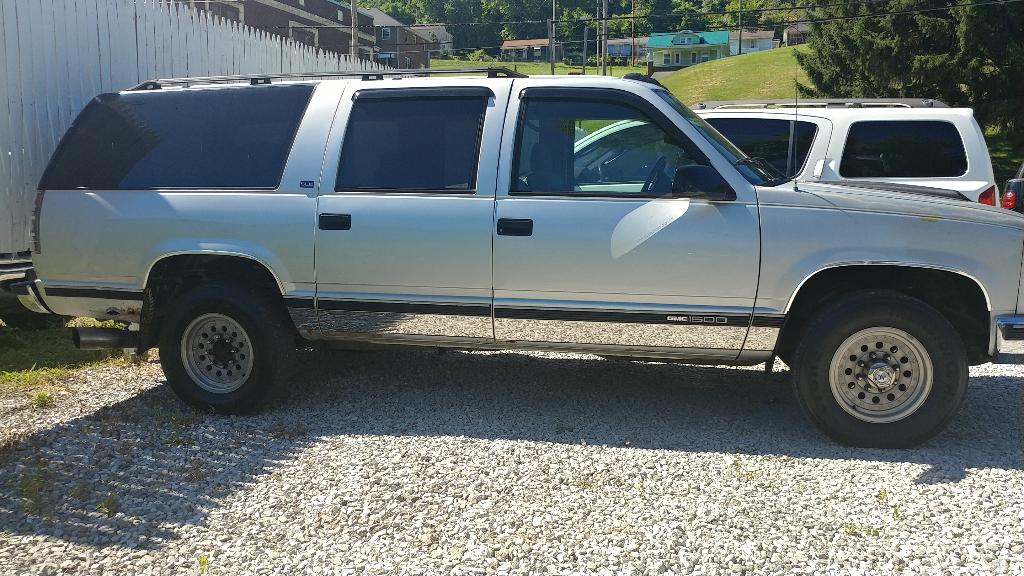 1995 GMC Suburban 1500 2WD