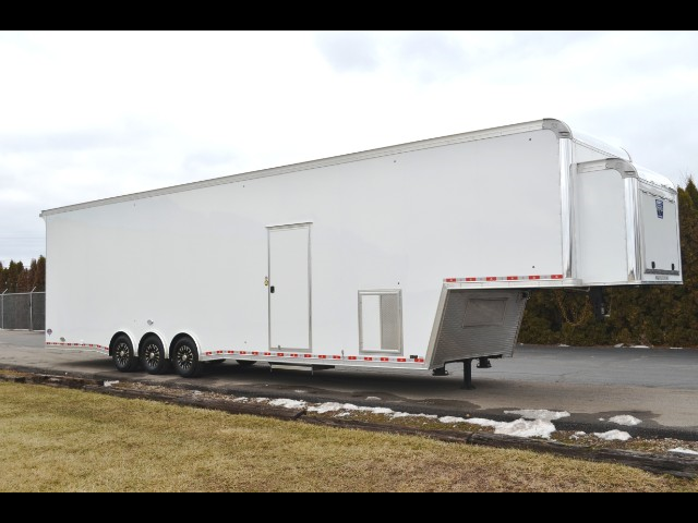 "2018 United Trailers Gooseneck 42' w/ 9' 6"" Interior Height  Triple 7000# Axles"