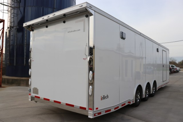 2018 Intech Trailers Icon 32' Aluminum Race Trailer/Car Hauler