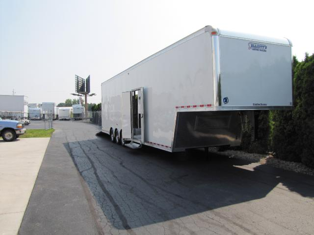 2018 United Trailers Gooseneck 40ft Gooseneck 30in Extra Height
