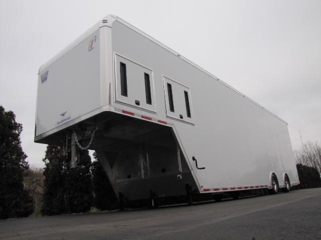 2018 Intech Trailers Gooseneck 40ft Icon Package Race Ready trailer