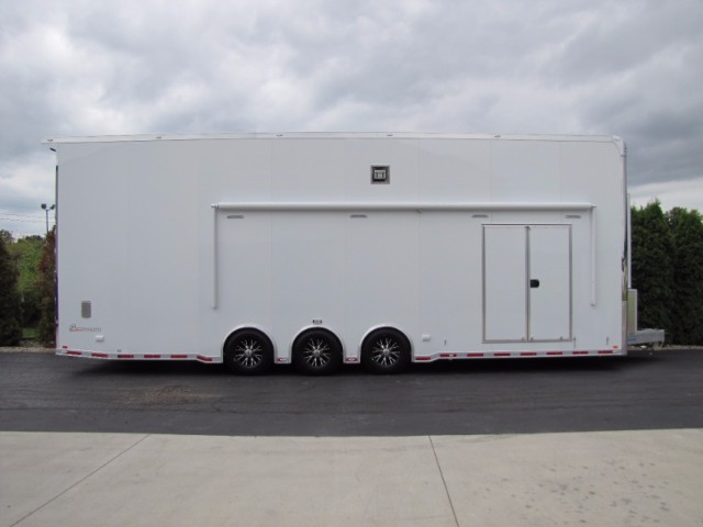 2019 Intech Trailers Stacker 32' Aluminum Stacker with 4 Post Lift & Bath