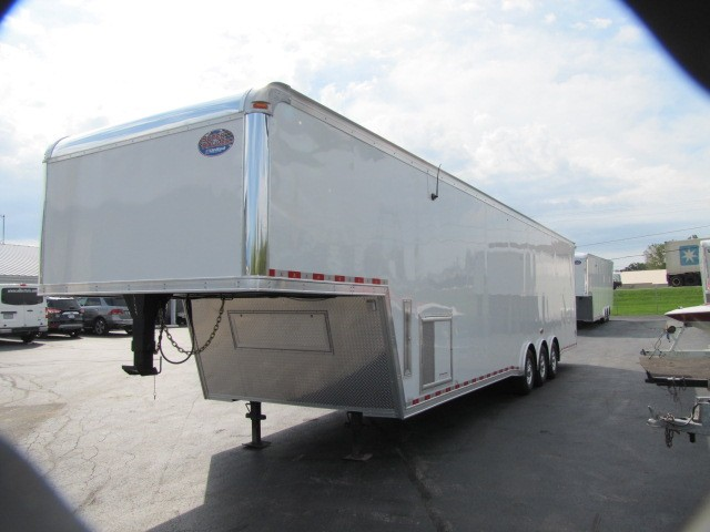 2018 United Trailers Gooseneck 40ft With 12in Extra Height Interior 7ft 6in