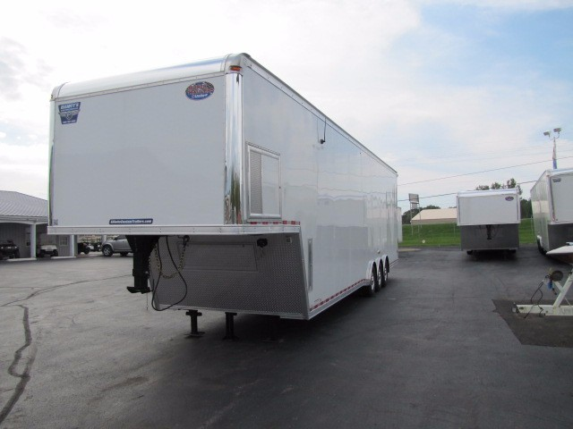 2018 United Trailers Gooseneck 40ft With 30in Extra Height 9ft Interior Height