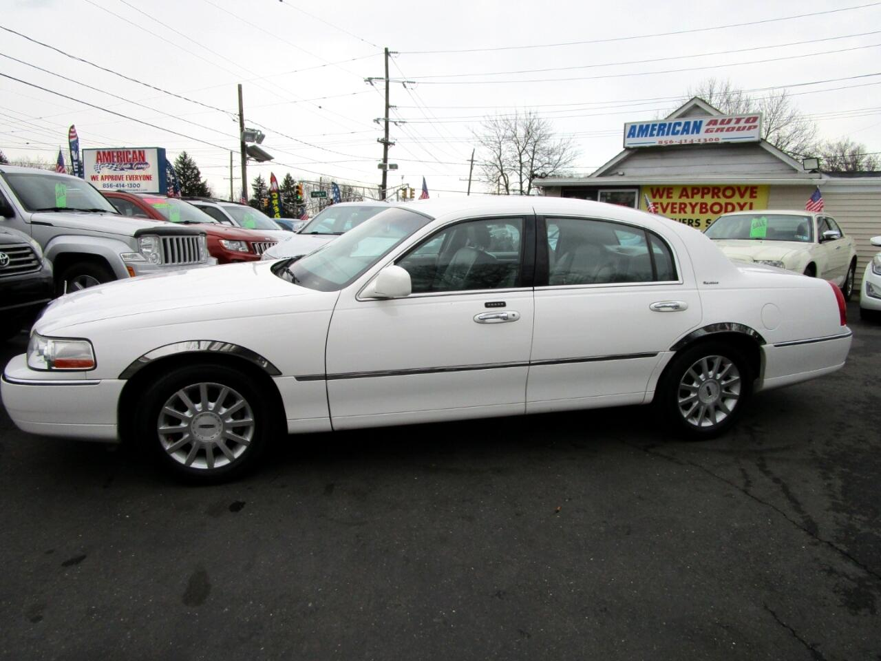 2006 Lincoln Town Car 4dr Sdn Signature