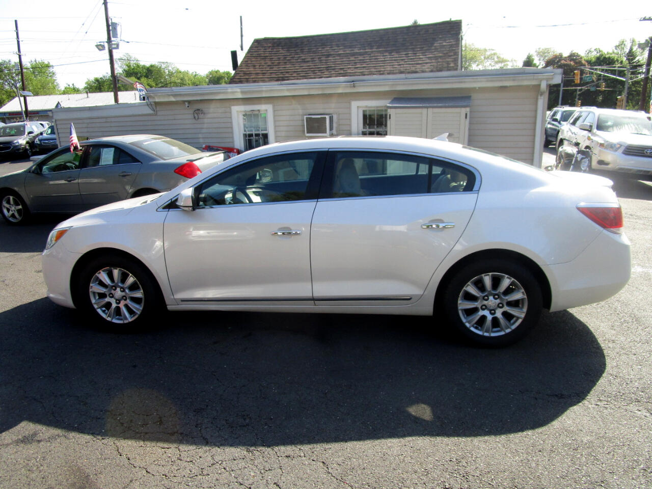Buick LaCrosse 4dr Sdn Base FWD 2012