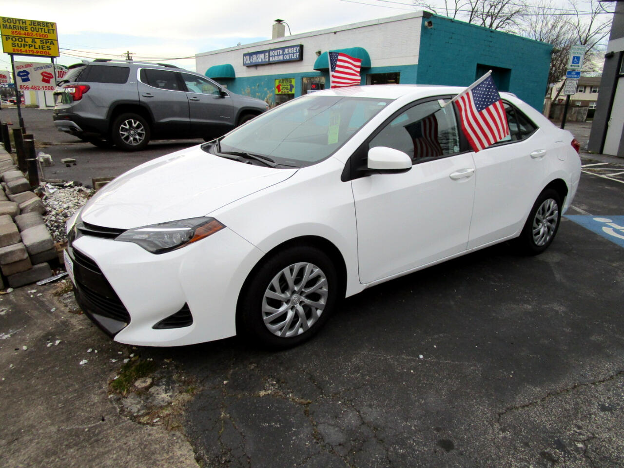 Toyota Corolla LE CVT (Natl) 2019