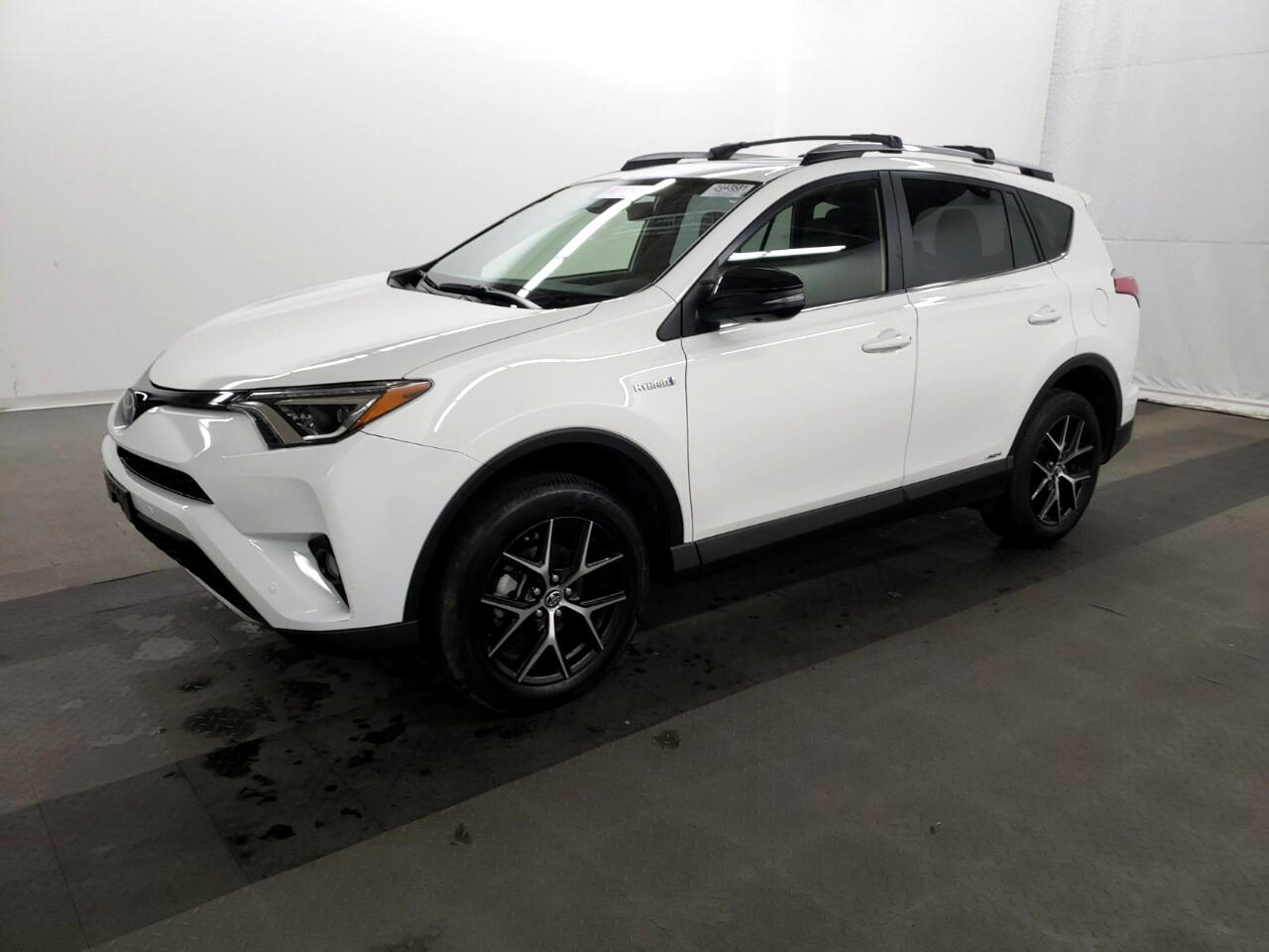Toyota RAV4 Hybrid SE AWD (Natl) 2018