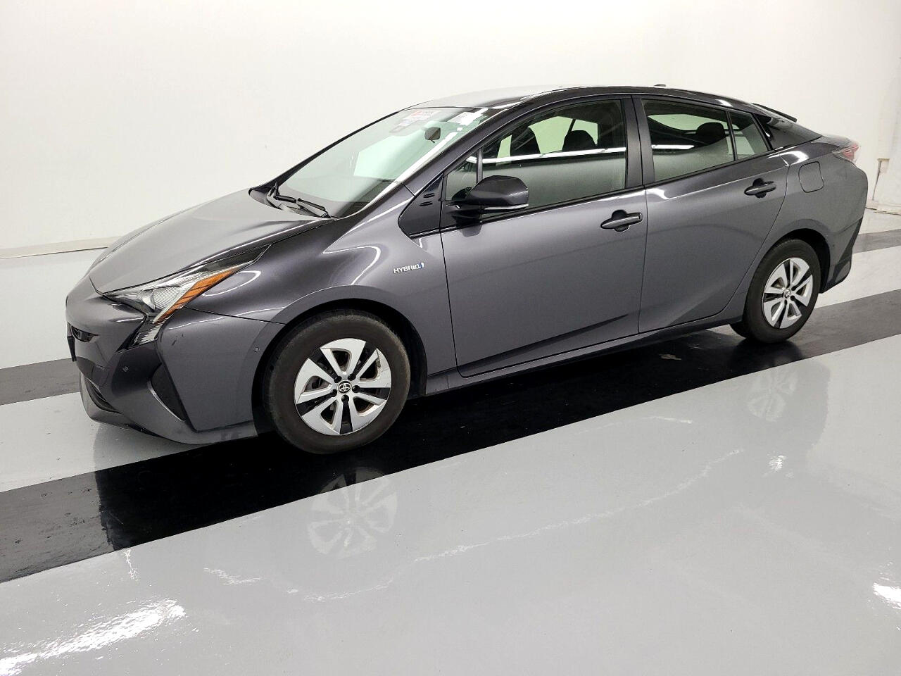 Toyota Prius Three Touring (Natl) 2018