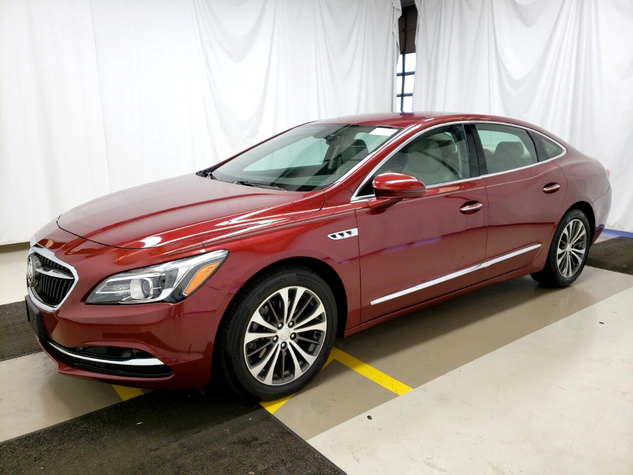 Buick LaCrosse 4dr Sdn Preferred FWD 2017