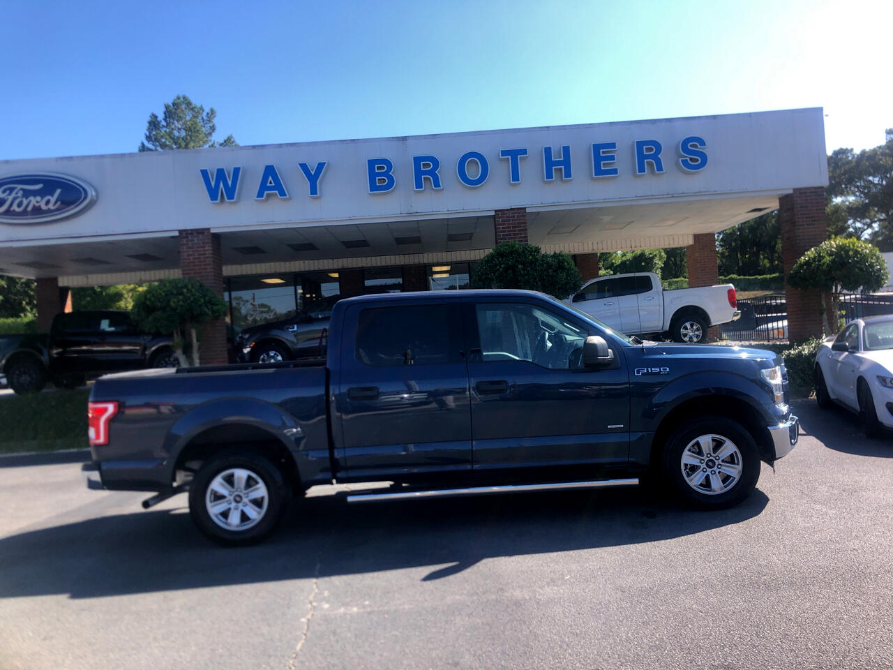 "2016 Ford F-150 2WD SuperCrew 150"" XLT"