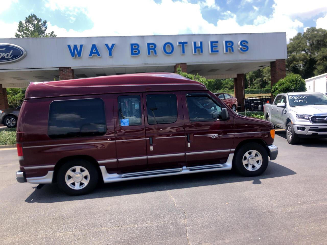 2004 Ford Econoline Cargo Van E-150