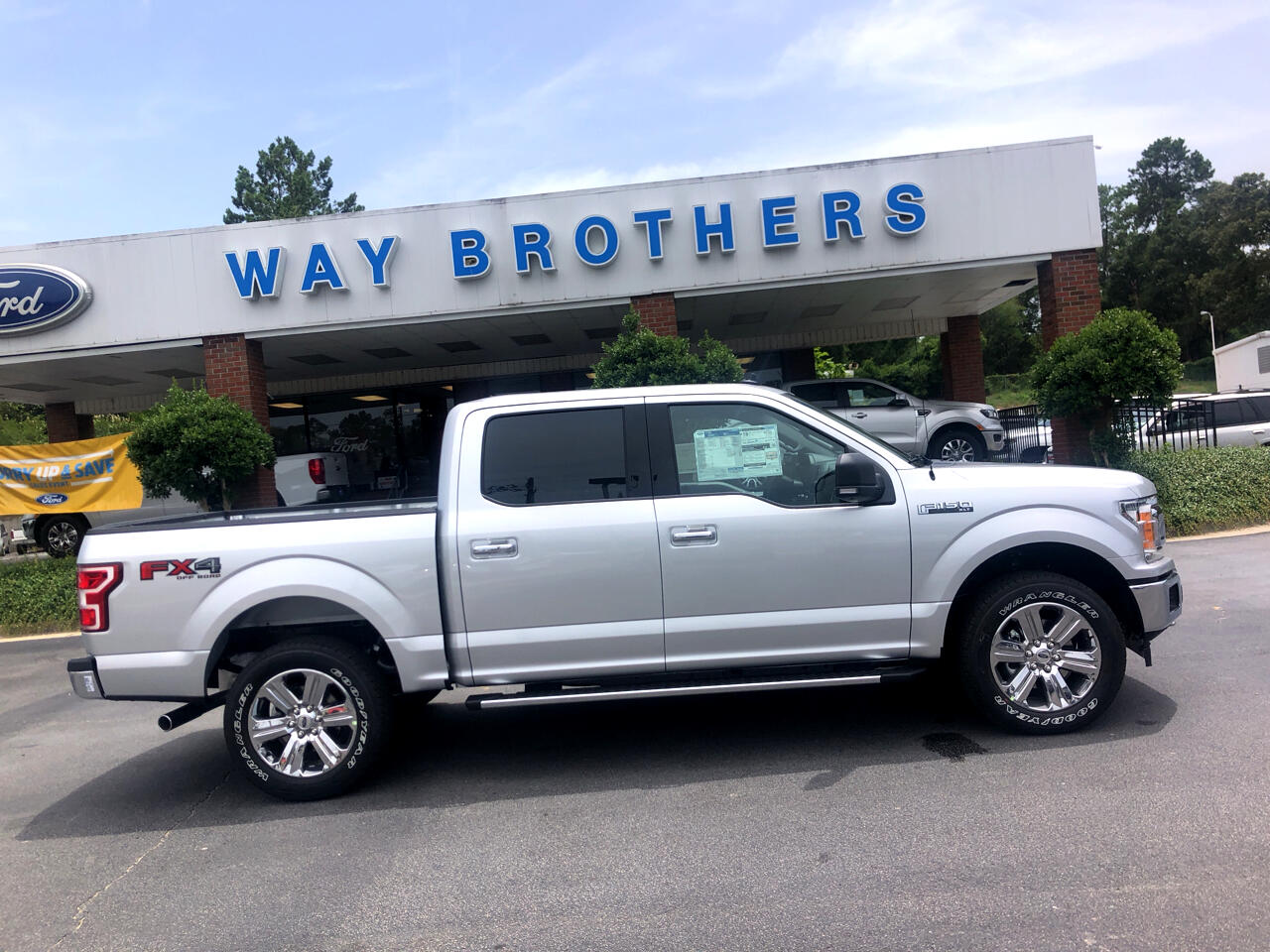 2019 Ford F-150 XLT 4WD SUPERCREW 5.5' BO
