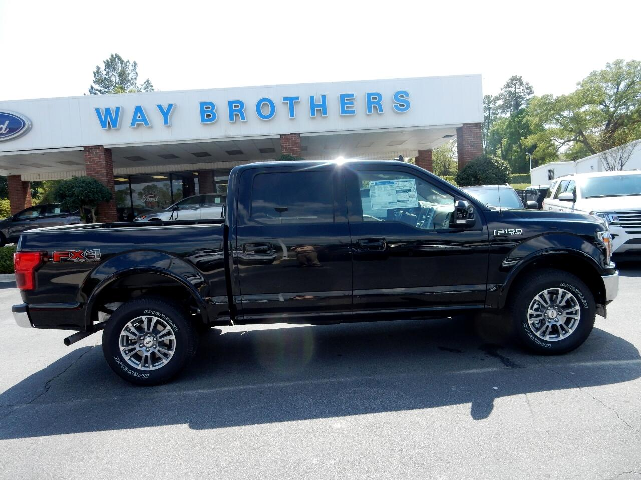 "Ford F-150 4WD SuperCrew 139"" Lariat 2020"