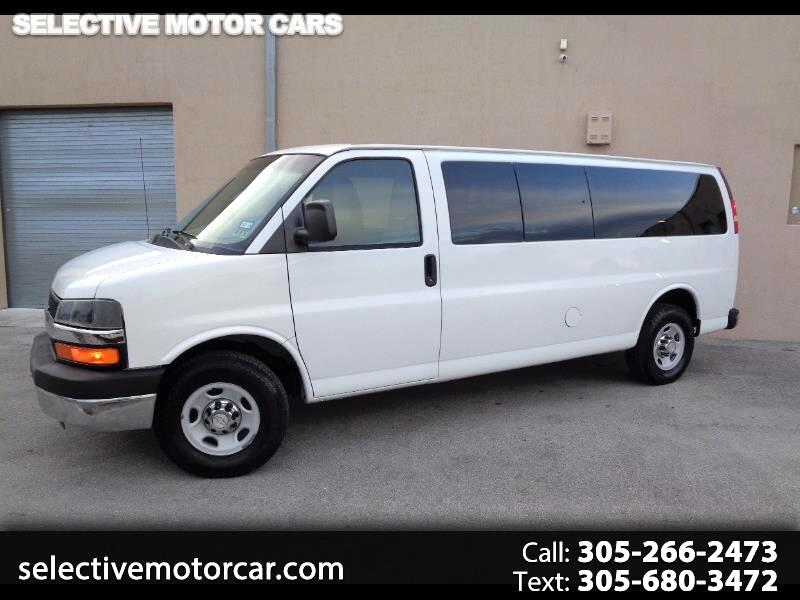 "Chevrolet Express Passenger RWD 3500 155"" LT 2010"