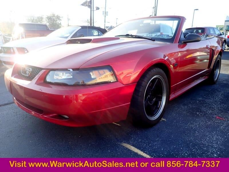 Ford Mustang GT Deluxe Convertible 2001