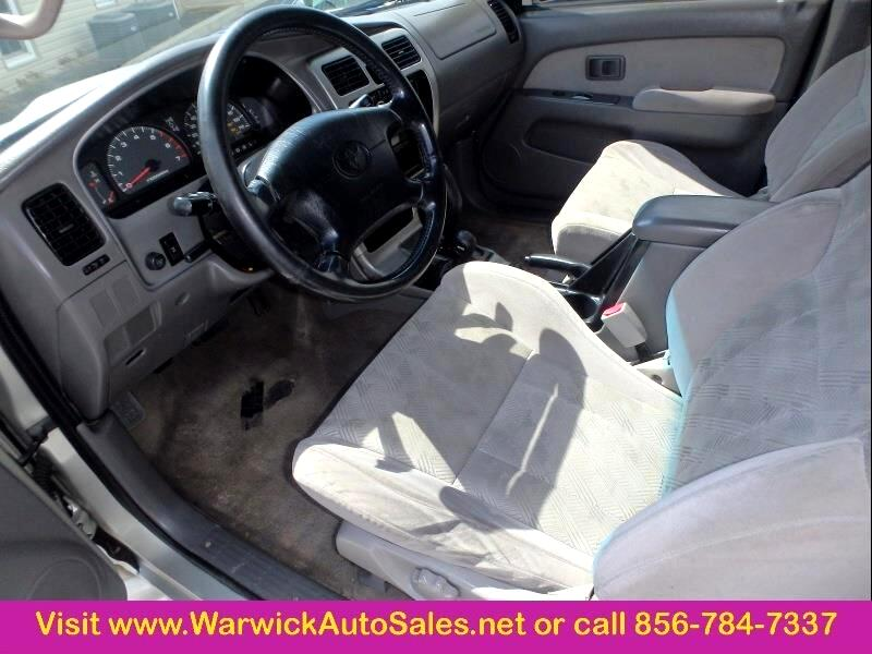 2001 Toyota 4Runner 4 Dr SR5 4WD SUV