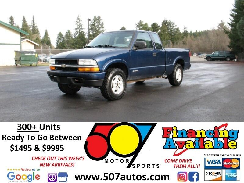 "Chevrolet S-10 Ext Cab 123"" WB 4WD LS 2001"