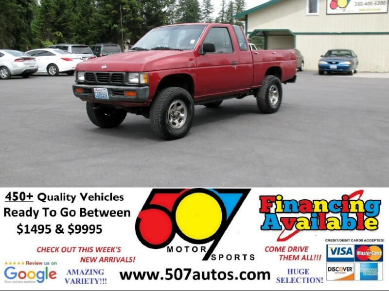 1993 Nissan Trucks 4WD Std King Cab 5-Spd I-4