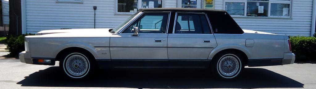 Lincoln Town Car Signature 1988