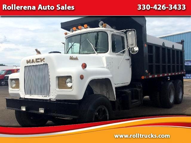1973 Mack RD685S Dump Truck