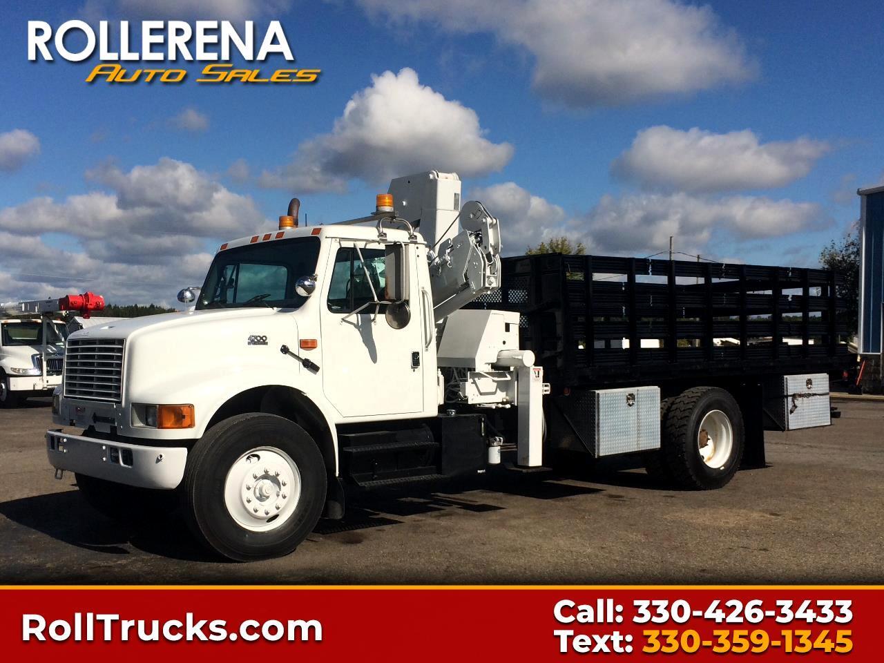 2001 International 4700 Crane Truck