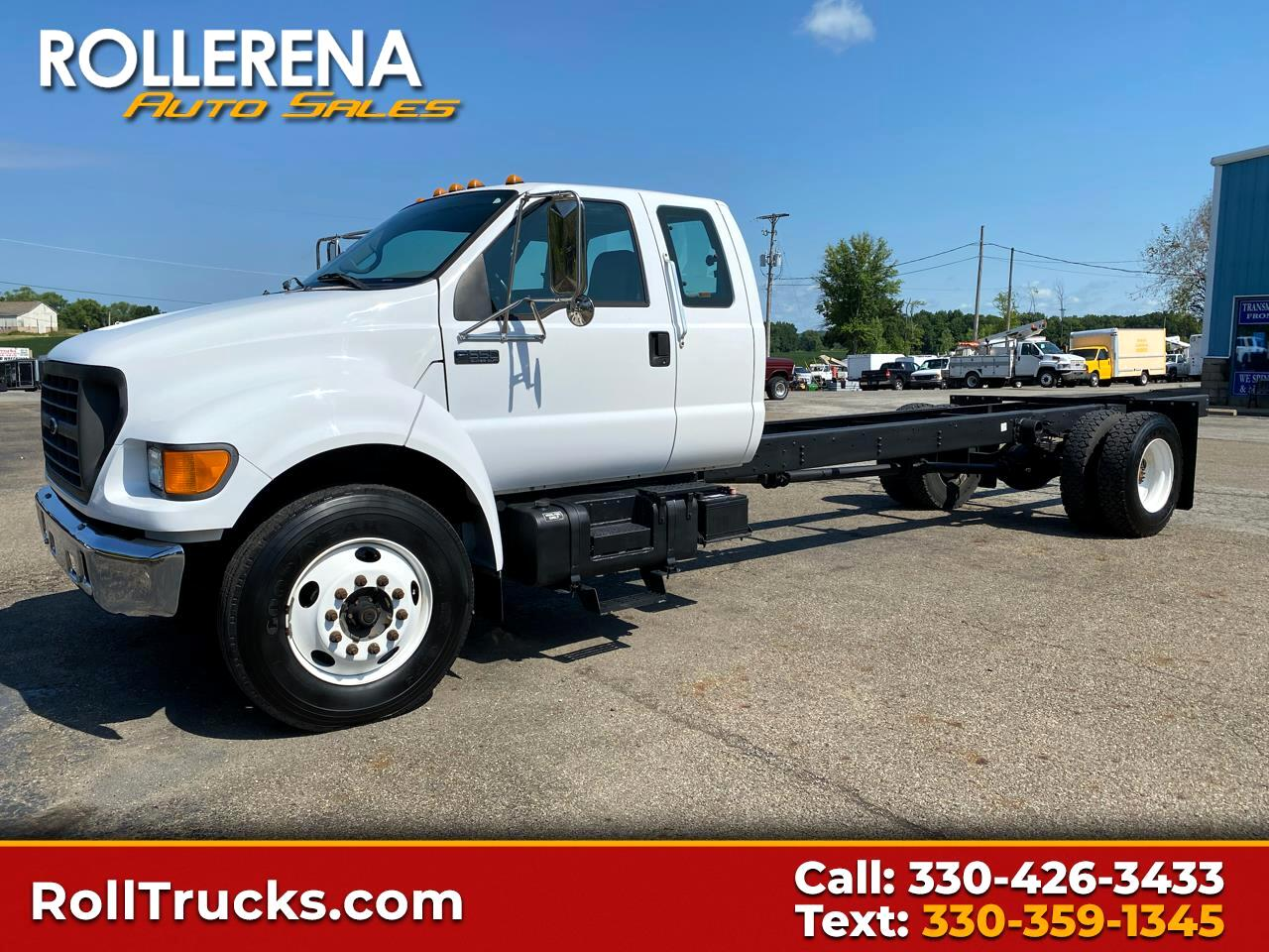 Ford Super Duty F-650 SuperCab XLT, 26,000 GVWR 2001