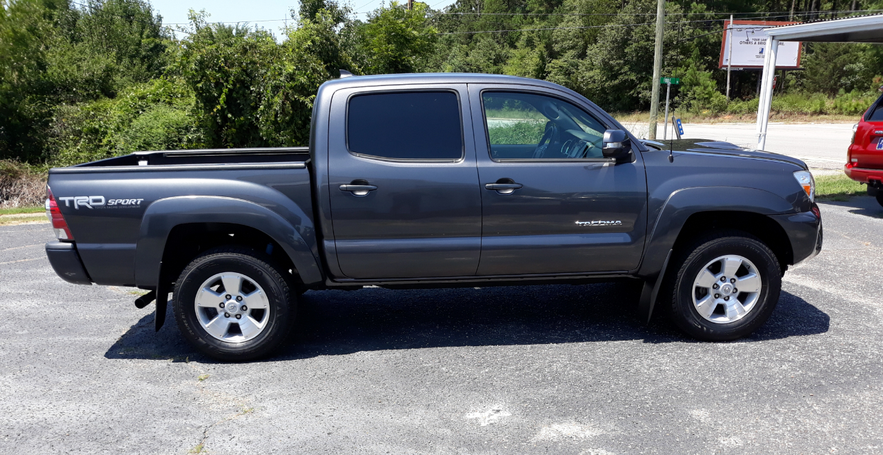 2015 Toyota Tacoma 2WD Double Cab V6 AT TRD Sport (Natl)