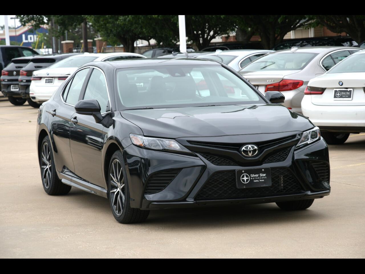 Toyota Camry SE Auto (Natl) 2021