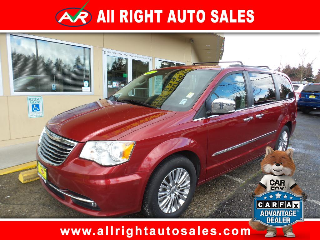 2013 Chrysler Town & Country 4dr Touring FWD
