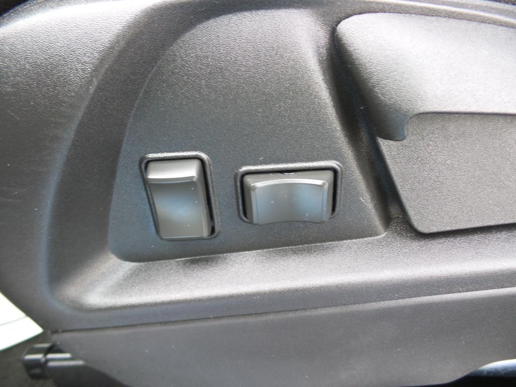 2016 Chevrolet Equinox LS.