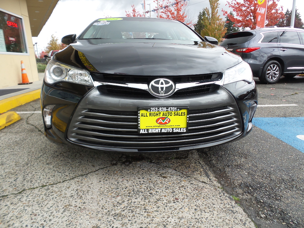 2016 Toyota Camry LE.