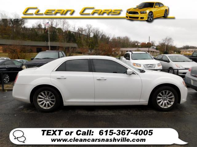 Chrysler 300 4dr Sdn V6 RWD 2012