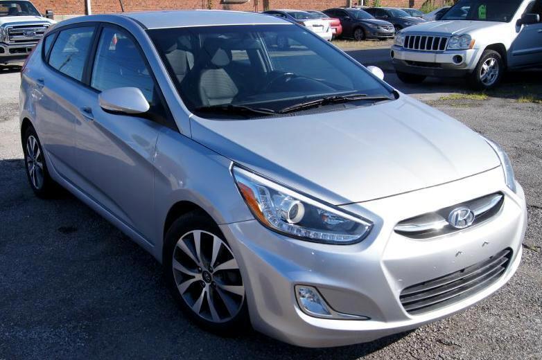 2015 Hyundai Accent GS 5-Door 6A