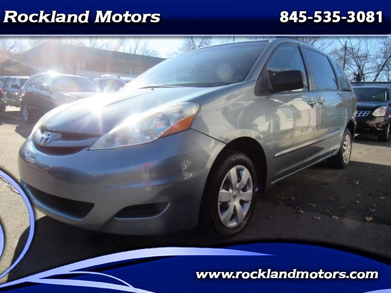 2007 Toyota Sienna LE FWD 7-Passenger Seating