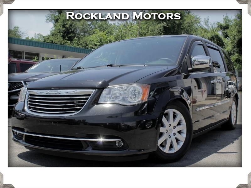 2014 Chrysler Town & Country 4dr FWD