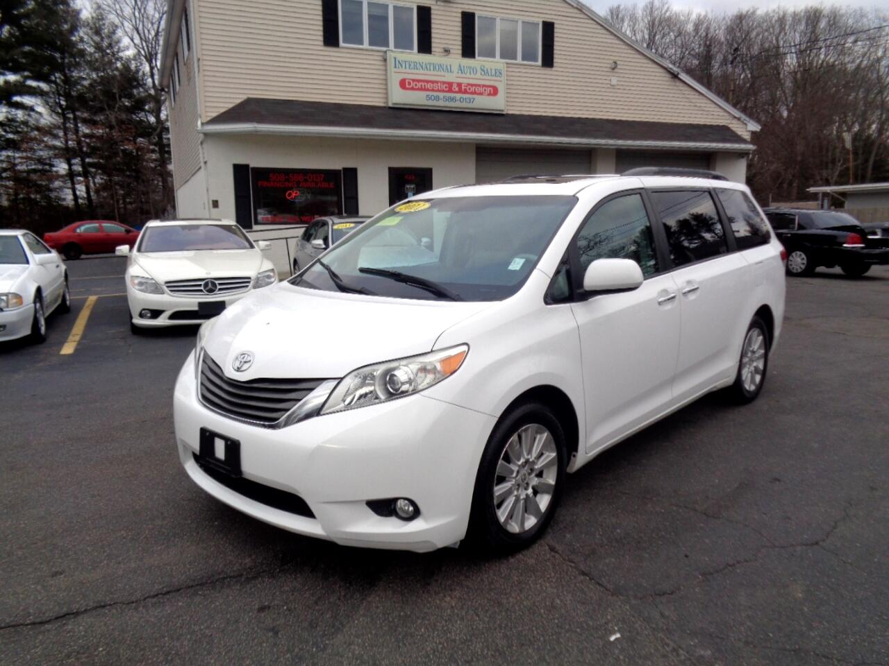2011 Toyota Sienna XLE LIMITED AWD 8 Passenger