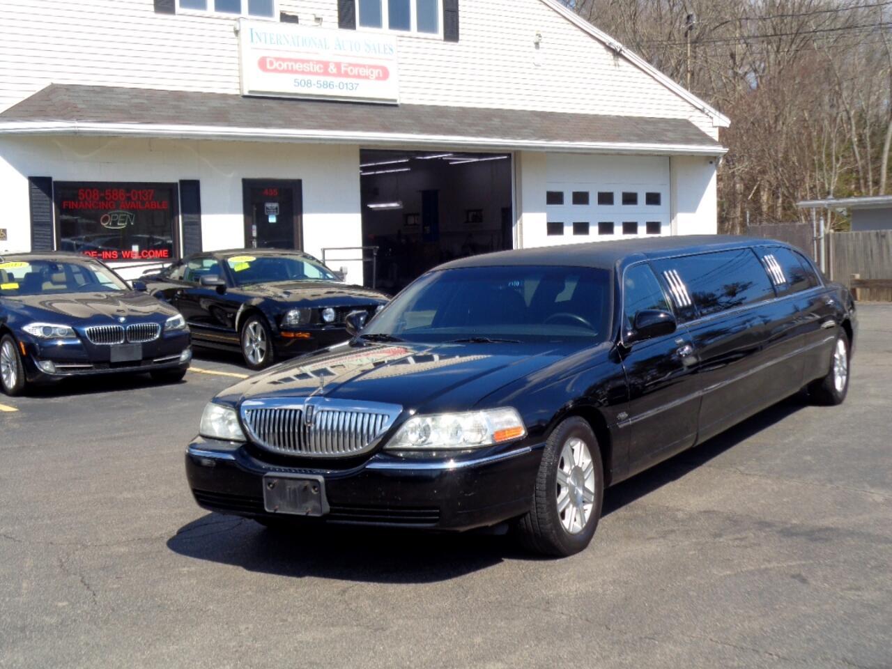 2010 Lincoln Town Car Limousine