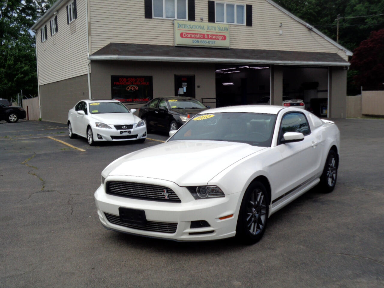 Ford Mustang V6 Coupe 2013