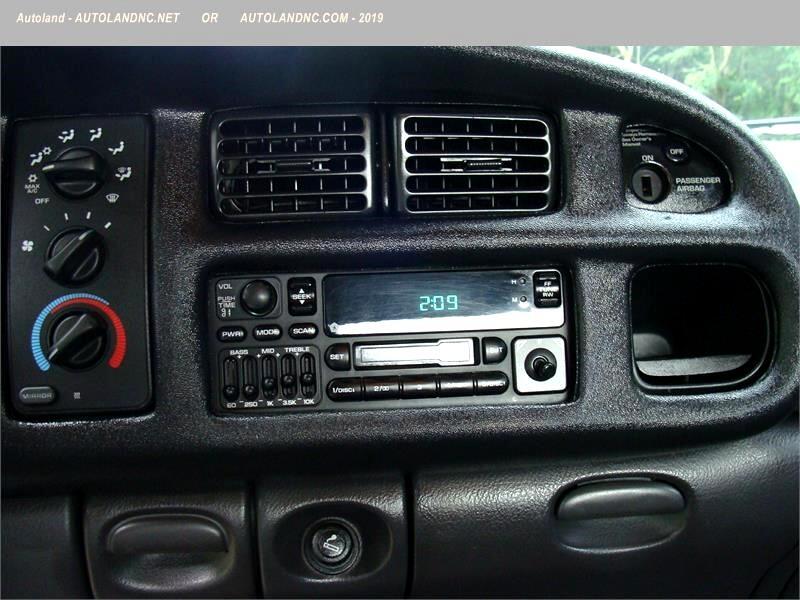 2002 Dodge Ram 2500 ST Quad Cab Short Bed 2WD