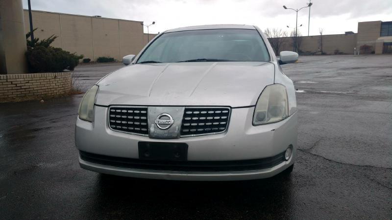 Nissan Maxima SE 2004