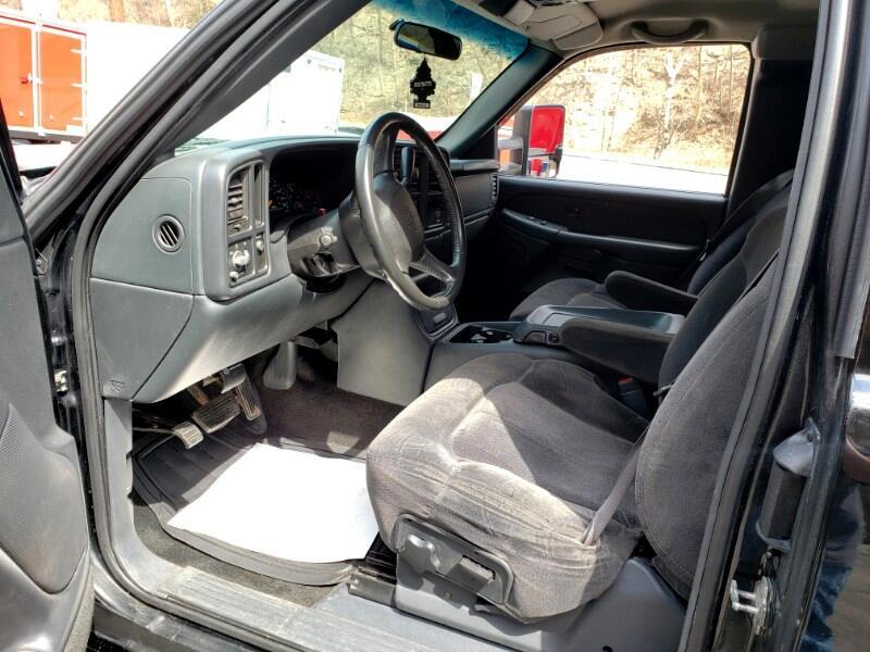 2001 Chevrolet Silverado 3500 Ext. Cab 2WD