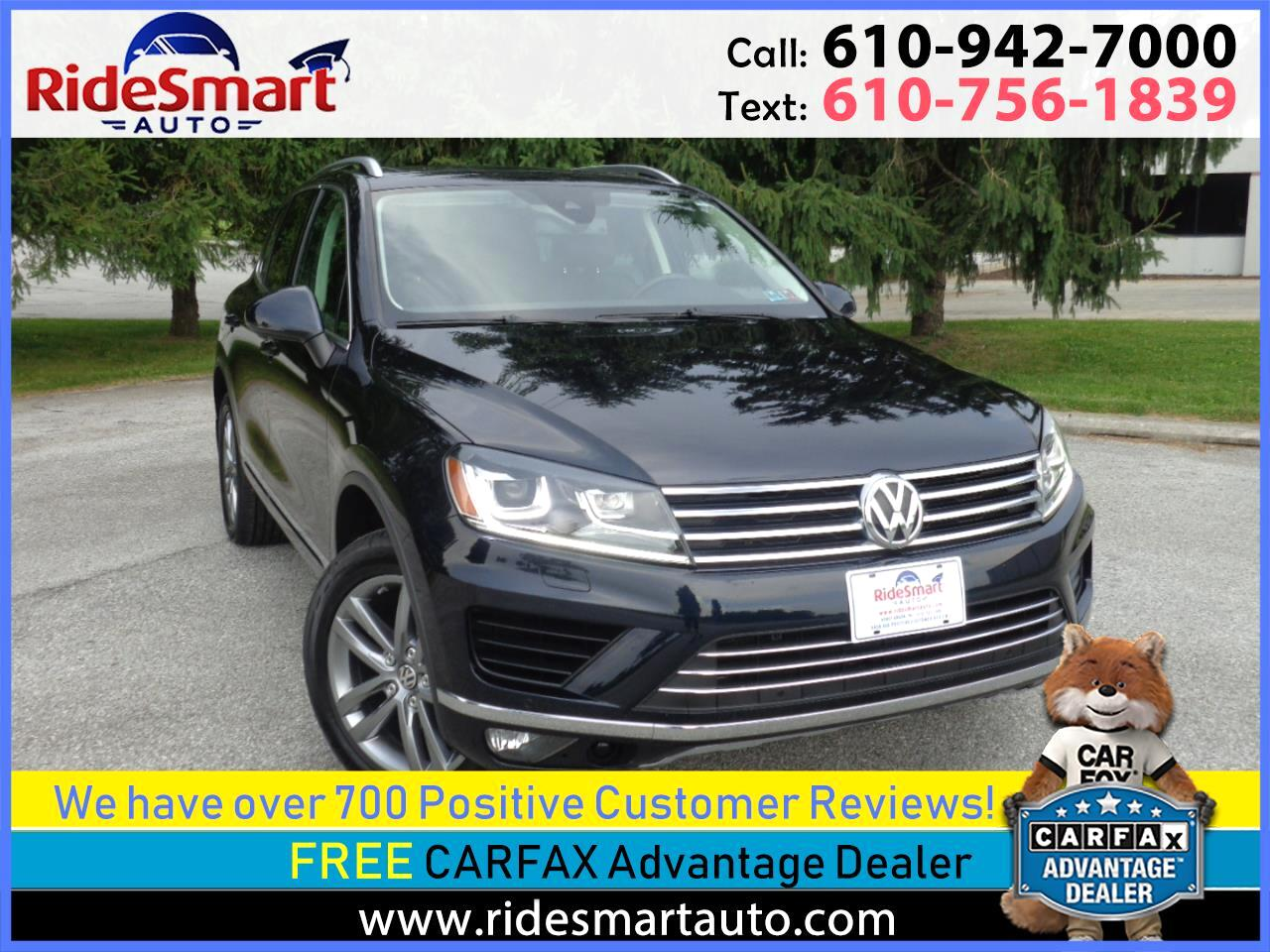 2016 Volkswagen Touareg VR6 Luxury AWD- Pano Sunroof-Leather-Navigation