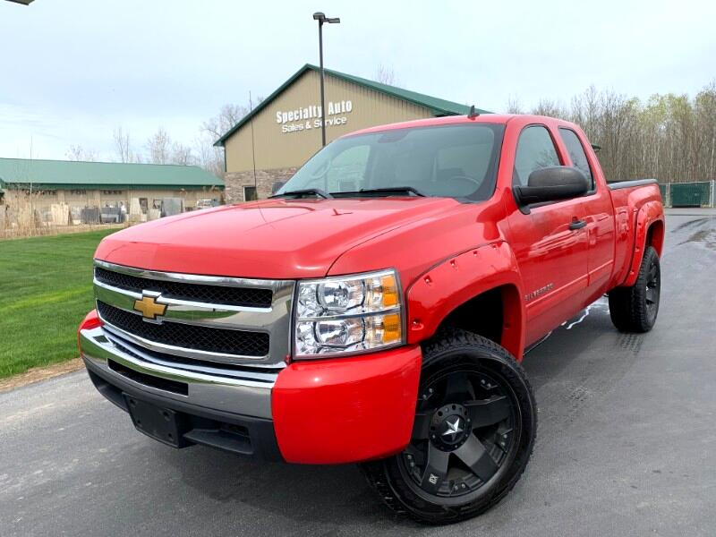 2009 Chevrolet Silverado 1500 Ext. Cab Short Bed 4WD