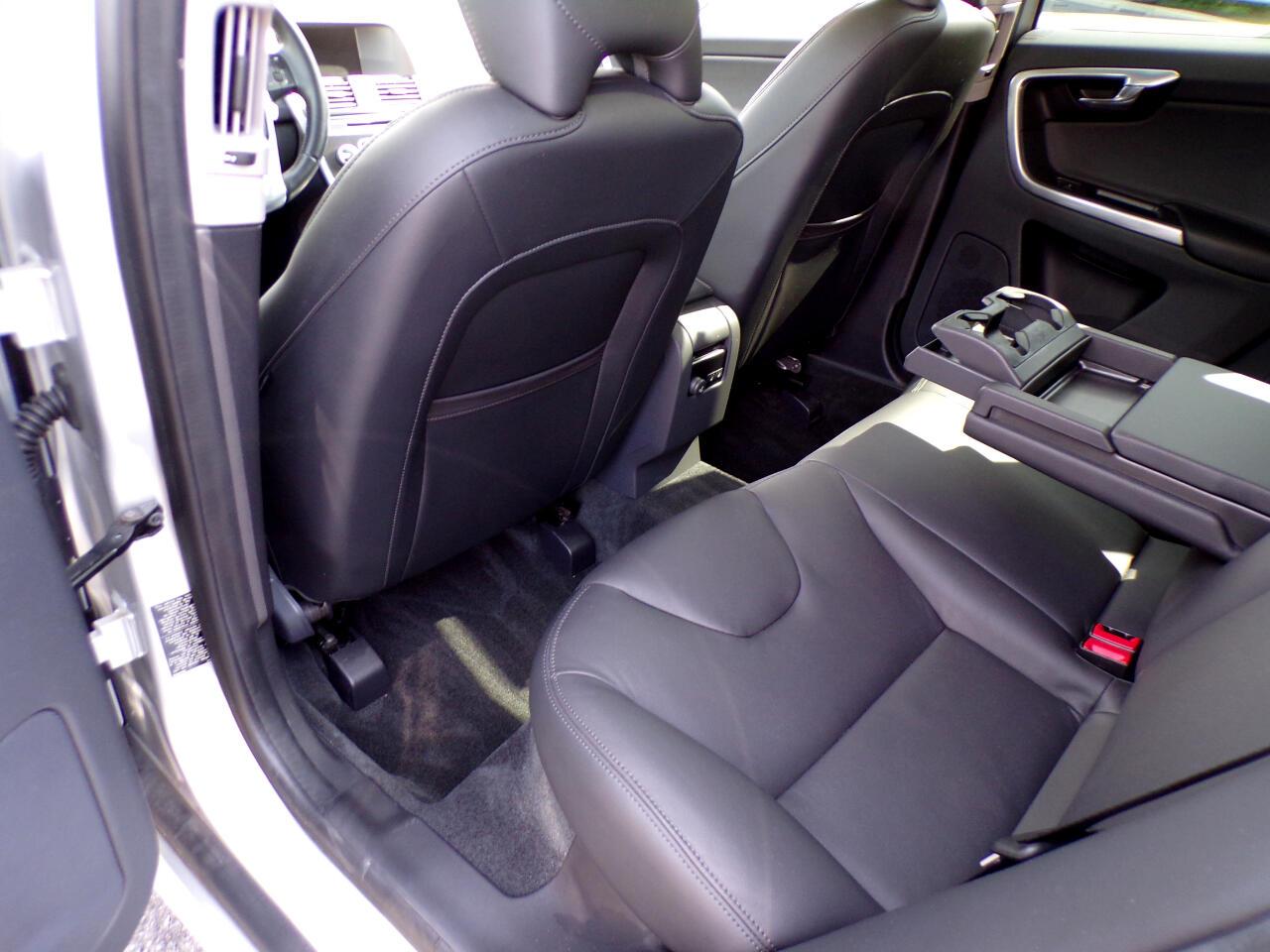 2016 Volvo XC60 T5 Platinum