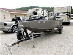 2014 Lowe Fishing Boat